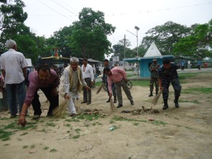 CDO Dhanusha, DFO Dhanusha and AFO Dhanusha cleaning Dhanush Temple area on 2071.01.01