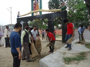 Ganga Sevak and Participants busy in cleaning Dhanush temple area