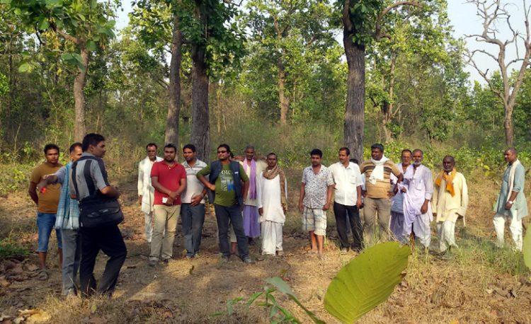 AFO Shankar Narayan Jha explaining the importance of illicit felling and grazing free zone